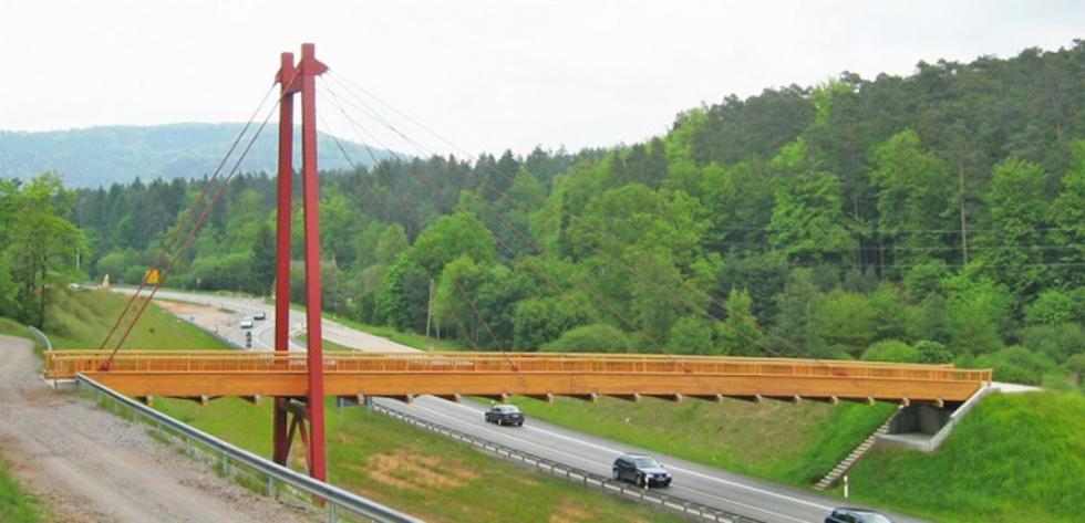 BESISTA Zugstangensysteme als filigrane Zugglieder - Brücke Ständehof bei Pirmasens