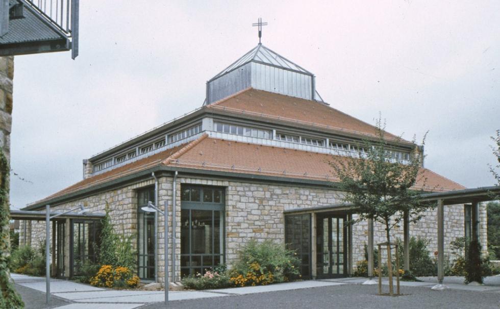Zuggliedersysteme BESISTA für den Holzbau - Kirche Leutershausen