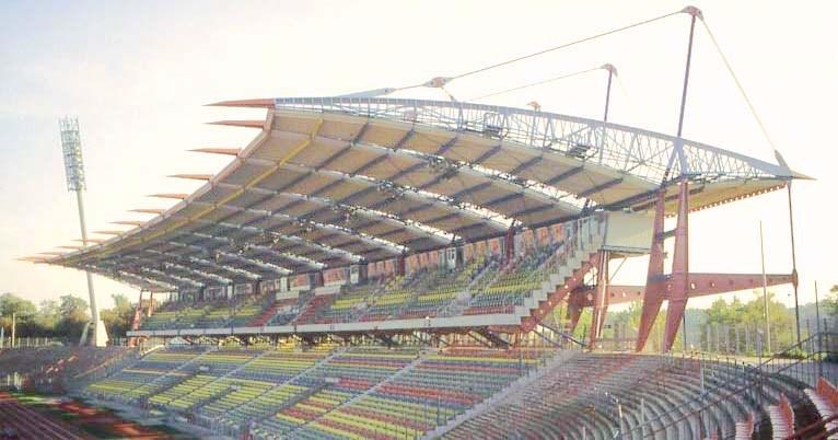 Zugstabsystem BESISTA für die Aussteifung des Wildparkstadion Karlsruhe