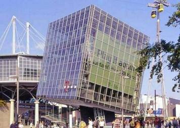 Zugstangensysteme BESISTA für Aussteifungen Pavillon Telekom EXPO Hannover
