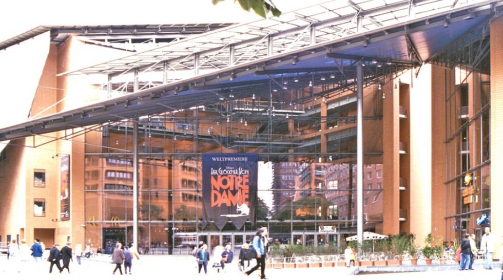 Système d\'haubanage BESISTA pour constructions sous-tendues Daimler Centre de Culture Berlin