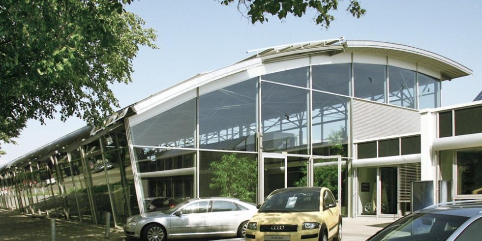 Système d\'haubanage BESISTA pour constructions sous-tendues Audi Center Ingolstadt