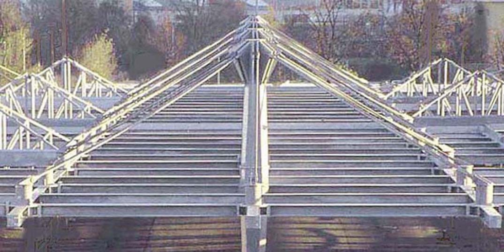Tirants système BESISTA pour la construction en acier ZOB Stuttgart