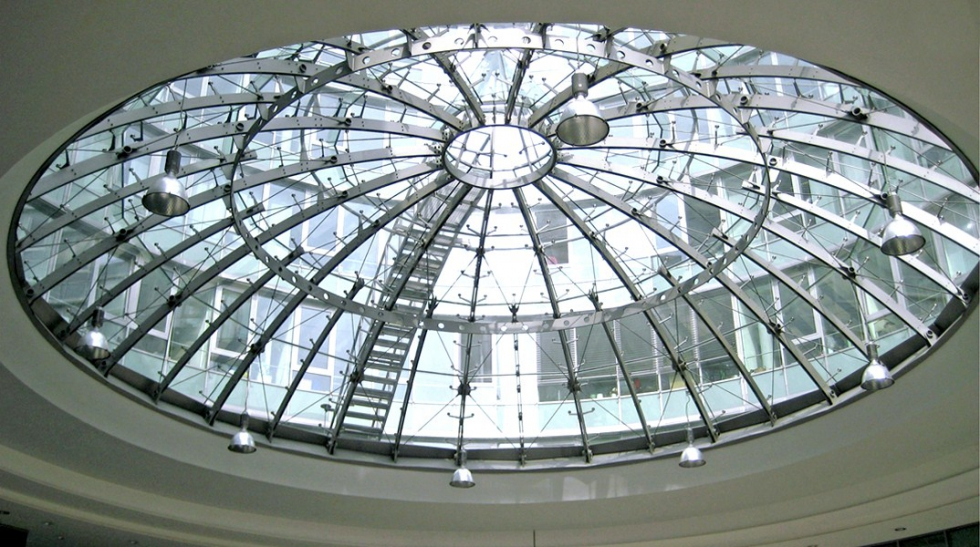 Sistemas de atirantado BESISTA para la construcción de vidrio City-Plaza-Stuttgart