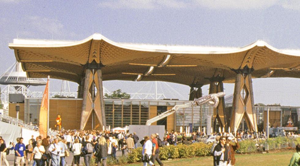 Sistemas de atirantado BESISTA en la construcción de madera - cubierta Expo Hanóver