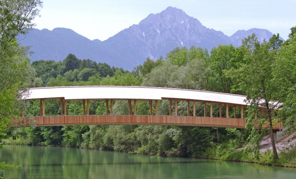Sistemas de tirantes BESISTA para la construcción de madera puente Siezenheim Austria