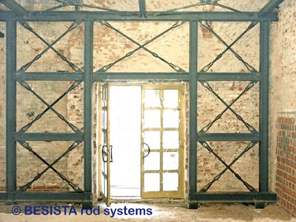 Barres tendues avec ancrages de BESISTA dans la rénovation d'un bâtiment historique - 177