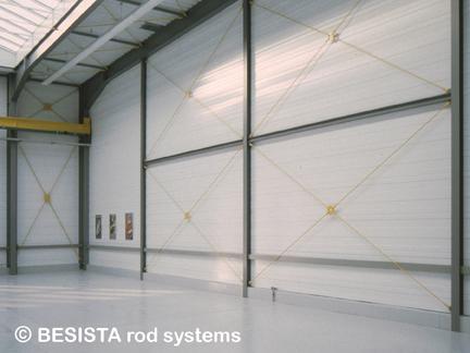 Systèmes de barres BESISTA composées de tirants et ancrage dans une salle polyvalente - 191