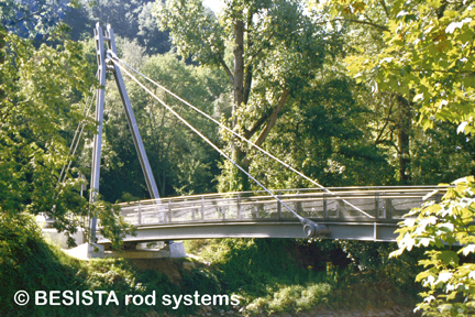 Tirantes con BESISTA barras de tensión - Puente peatonal y ciclista Passau - 430