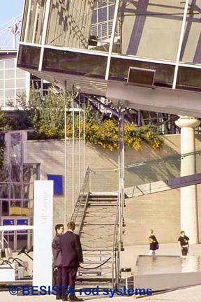BESISTA Zugstangen zur Abhängung der Treppen, EXPO Hannover - 45