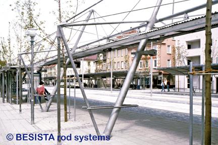 Zugstäbe und Druckstäbe System BESISTA bilden die Struktur des ZOB Reutlingen - 84