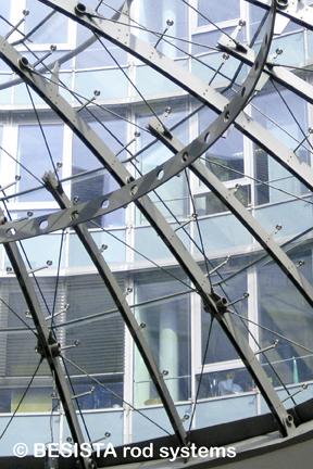 Zugstabsysteme BESISTA zur Stabilisierung einer Glaskuppel - 513
