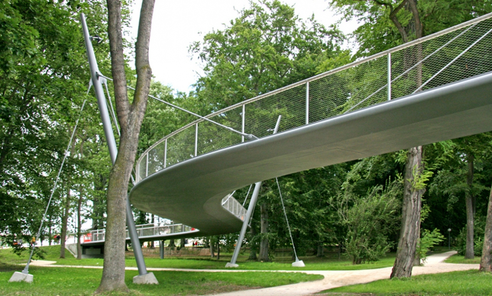 BESISTA Tension rod system - Reference Bridges and Catwalks, cyclists\' bridge, Neu-Ulm, Germany