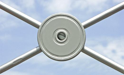 Zugstäbe für Windverbände oder Auskreuzungen mit BESISTA-Kreuzscheibe