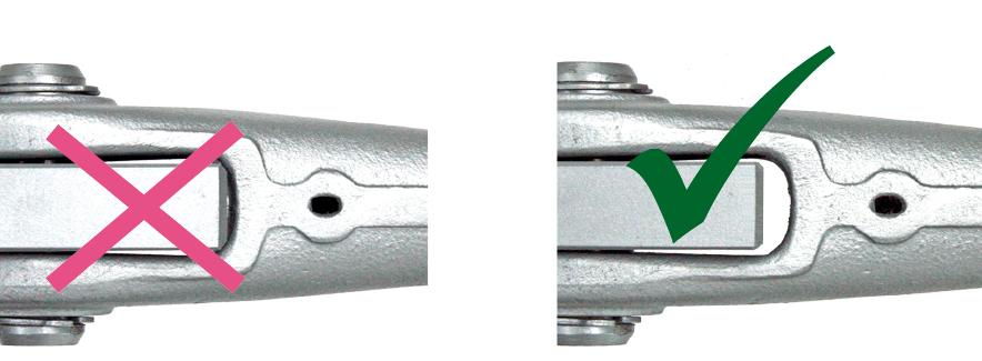 Ningunas presiones en los anclajes de barras-cabezales por las placas de uni�n