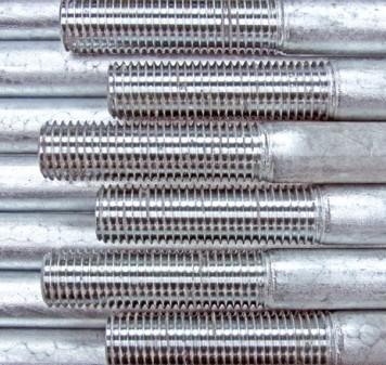 Tirantes/barras de tensi�n BESISTA con una capa de zinc sobre las roscas