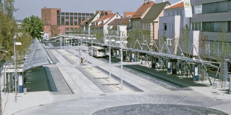 Druckst�be und Zugglieder System BESISTA f�r den Stahlbau des ZOB Reutlingen