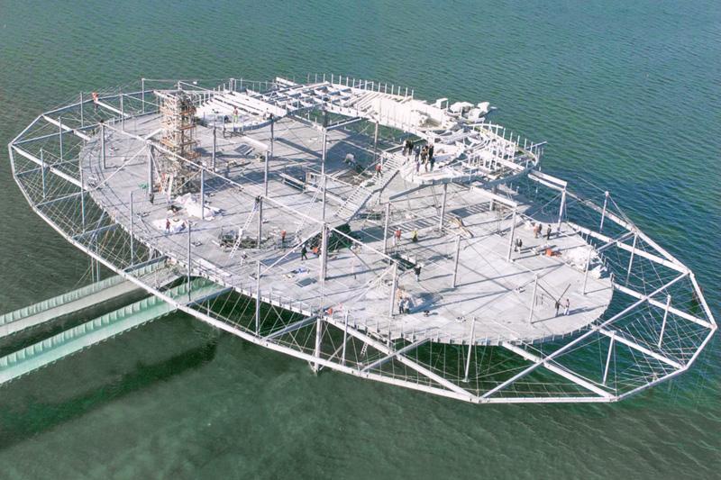 Syst�mes d\'haubanage BESISTA pour la construction en acier Expo02 Yverdon Suisse