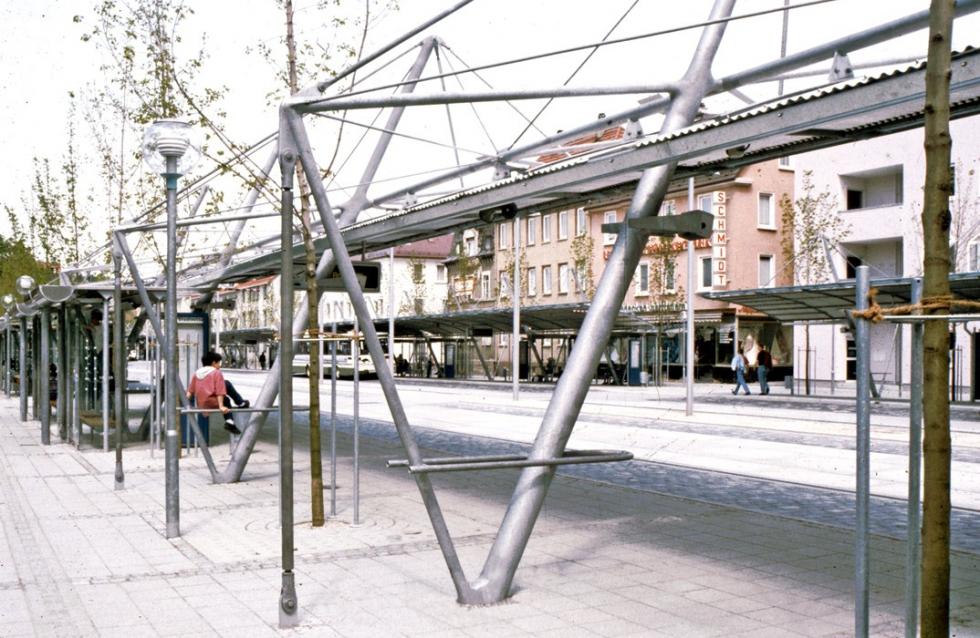 Sistemas de barras de tensi�n y compresi�n BESISTA en construcci�n de acero ZOB Reutlingen