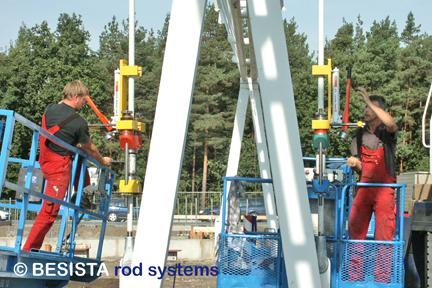 Systèmes de précontrainte BESISTA BVS pendant la précontrainte des barres tendues jusqu'à 340 kN - 103