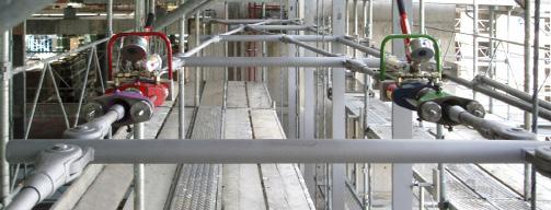 Vorspannsystem BVS-230 beim Vorspannen der Zugstabsysteme im Fassadenbau